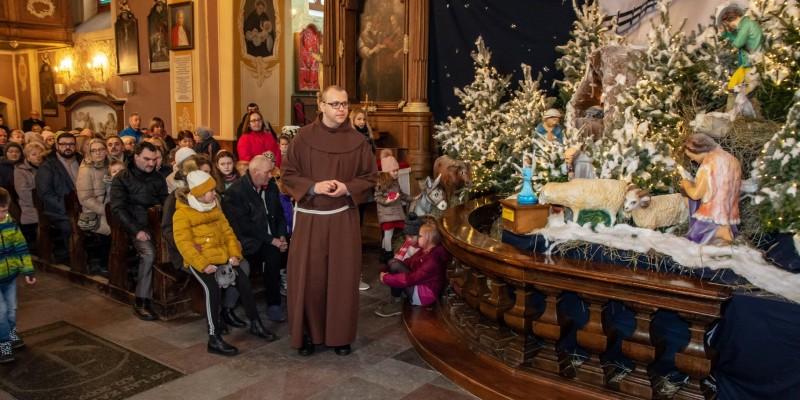 Wprowadzenie relikwi bl Jolenty Franciszkanie Torun 2019 04