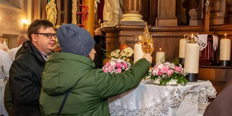 Wprowadzenie relikwi bl Jolenty Franciszkanie Torun 2019 07