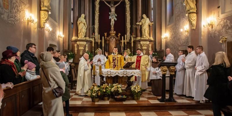 Wprowadzenie relikwi bl Jolenty Franciszkanie Torun 2019 41
