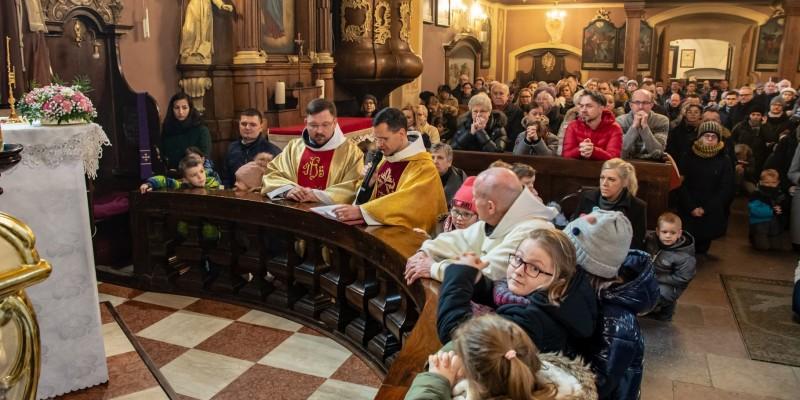 Wprowadzenie relikwi bl Jolenty Franciszkanie Torun 2019 46