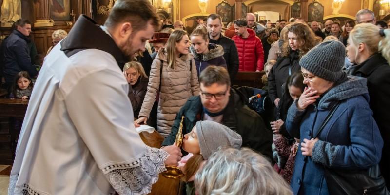 Wprowadzenie relikwi bl Jolenty Franciszkanie Torun 2019 50